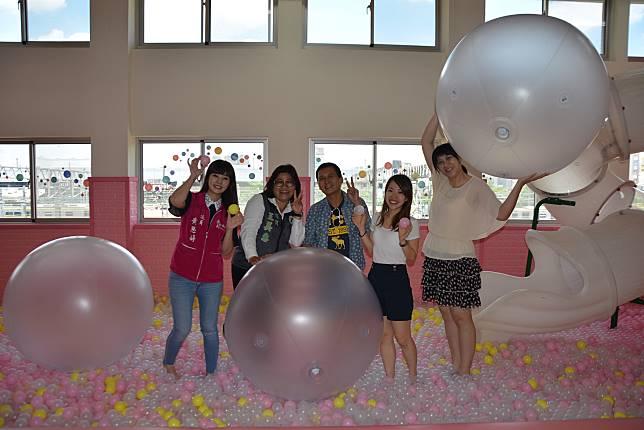 泡泡實驗室奇幻之旅 體驗繽紛多彩的視覺變化