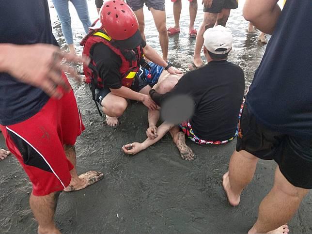 台南安平觀夕平台驚傳集體溺水意外