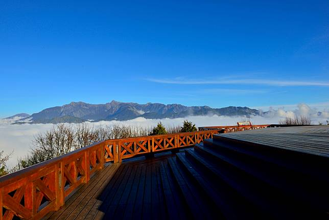 小笠原山觀景台雲海